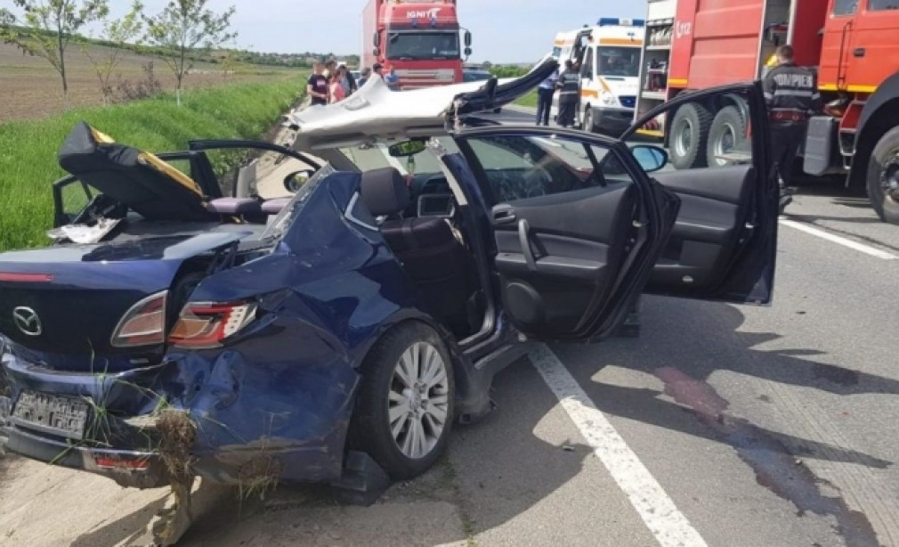 Accident violent. Echipa de la descarcerare a intervenit